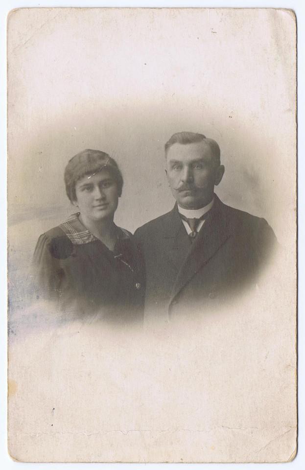Rycina 5. Teofil i Stanisława Dmochowscy, ok. 1917 (archiwum rodzinne potomków Teofila Dmochowskiego).
