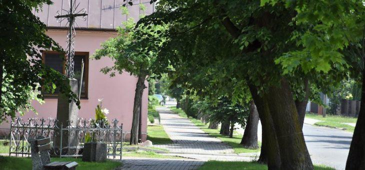Nieodkryta historia Dmochowskich – fundacje dwóch krzyży w Miedznie